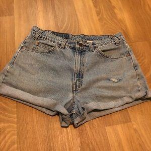 🗺3/$25 Vintage Levi's Light Wash Cut Off Shorts